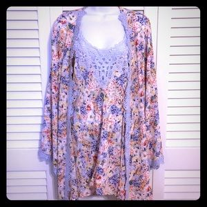 Beautiful floral chemise and robe set from Soma